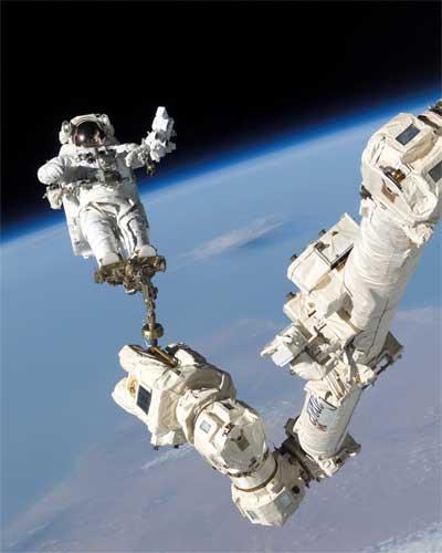 El astronauta Stephen Robinson, de obras en la International Space Station