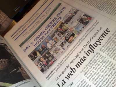 Foto de una pieza en la edición de papel de La Vanguardia destacando que su imagen aparece en el Huffington Post (junto con una docena de medios más de todo el mundo)