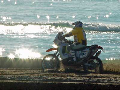 La moto 170, a media etapa prólogo